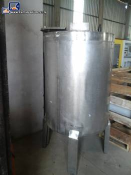 Stainless steel tank for 1000 liters