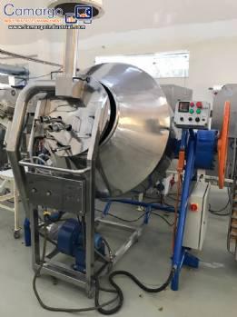 Rotary industrial roaster for roasting grains