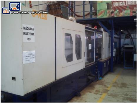 Large industrial plastic injection molding machine